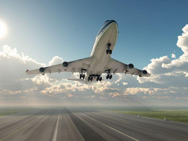 Plane_shutterstock_100287131