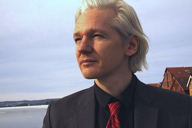 Julian Assange;