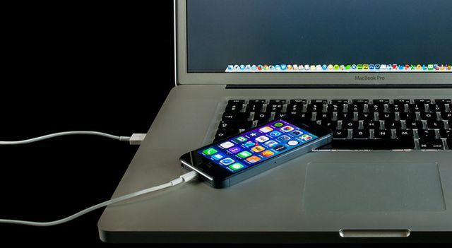 How-To-Charge-Phone-Faster-USB-Power