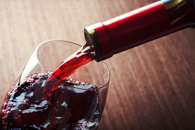 -Vinho tinto-pour