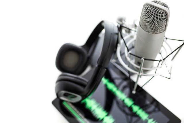 muo-longform-podcaststarterguide-mobile-mic