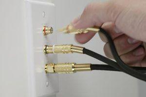 TV a cabo muitas vezes pode ser acessado por conectando o cabo diretamente na parede.