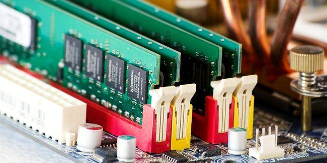 Você precisa de mais memória ram para executar programas de 32 bits no windows de 64 bits?