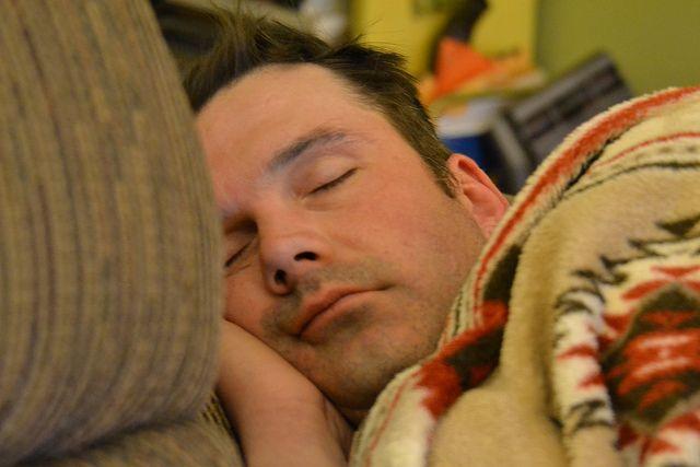 dormir pelo homem