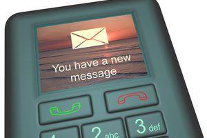 A linguagem de programação Python permite aos programadores facilmente enviar mensagens de texto em massa.