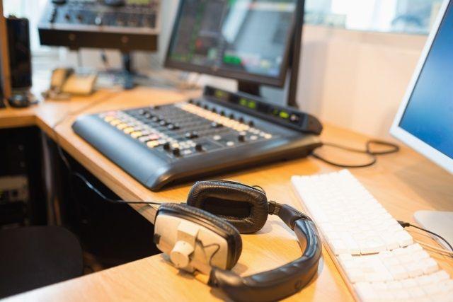 muo-creative-radiostation-studio