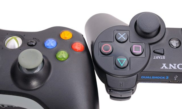 muo-linux-jogos-gamecontrollers-xbox360-ps4