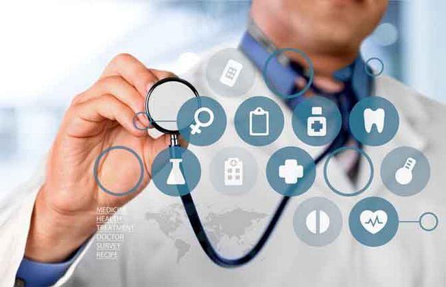 médico com muitos diagnósticos