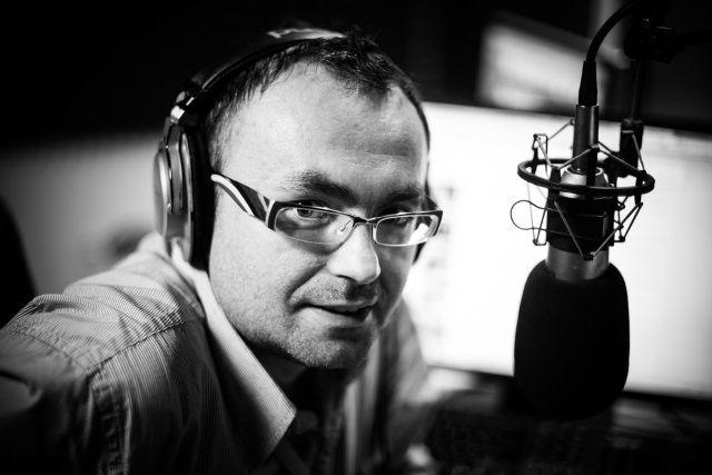 muo-longform-podcaststarterguide-podcaster