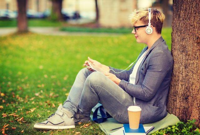 muo-longform-podcaststarterguide-ouvinte