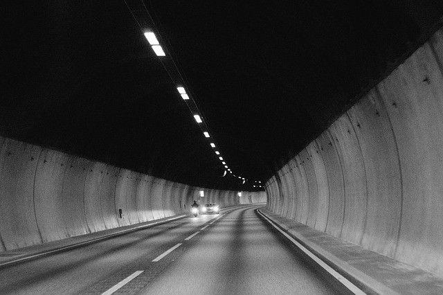luzes-form-line-preto-branco