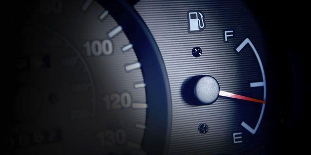 auto-Conduzir-carros-jobs-combustível-economia