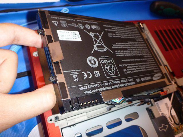 remova a bateria do laptop