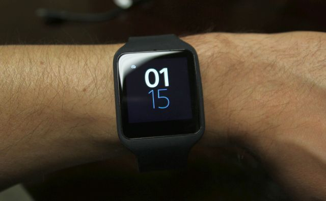 Sony SmartWatch 3 backlight LCD